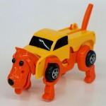 犬や恐竜に変わる車のおもちゃとは?使い方、値段、仕組み、通販